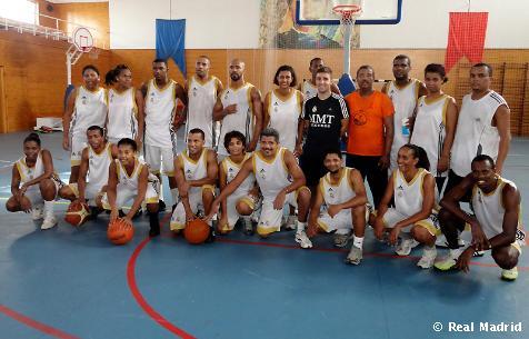 La Fundación Realmadrid impartió un curso de baloncesto en Cabo Verde