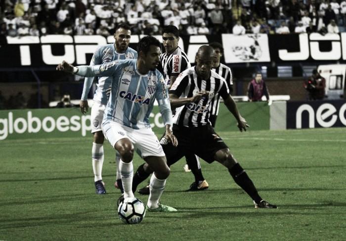 Avaí visita Santos precisando quebrar tabus e torcendo contra rivais para evitar rebaixamento