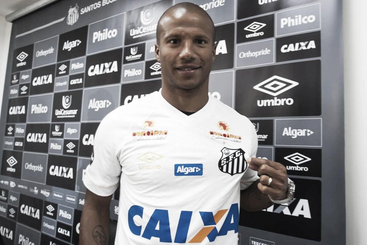 Carlos Sánchez treina pela primeira vez em reapresentação do Santos