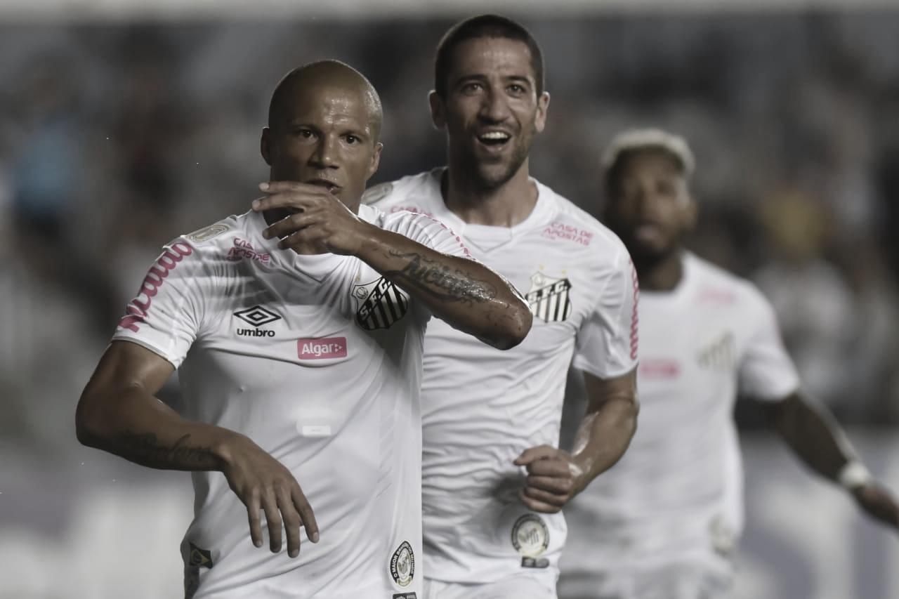 Santos vence Bahia, mantém vantagem no G-4 e se recupera no Brasileirão