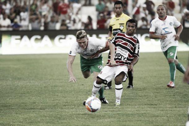Salgueiro e Santa Cruz empatam pelo Campeonato Pernambucano