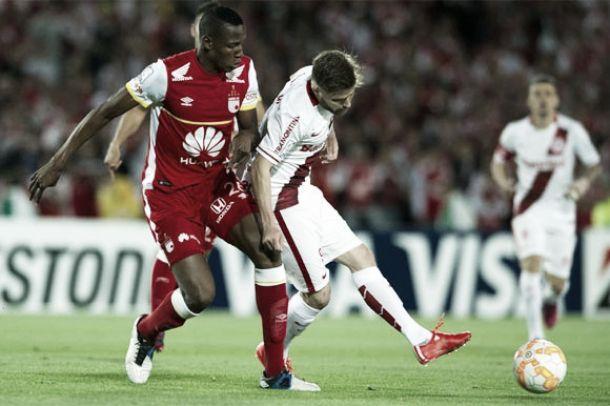 Internacional sofre gol no fim e é derrotado pelo Santa Fé no primeiro jogo das quartas da Libertadores