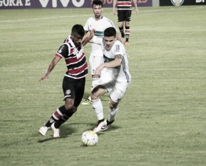 Para espantar de vez o fantasma do rebaixamento, Coritiba recebe Santa Cruz no Couto Pereira