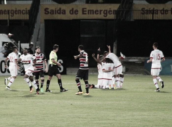 Com belo gol de Willian Arão, Flamengo supera Santa Cruz pelo placar mínimo e encosta no G-4