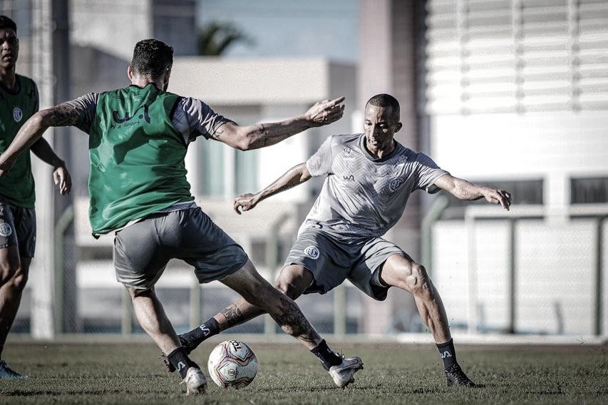 Após estrear no Confiança, Willians Santana projeta conquistas pela equipe