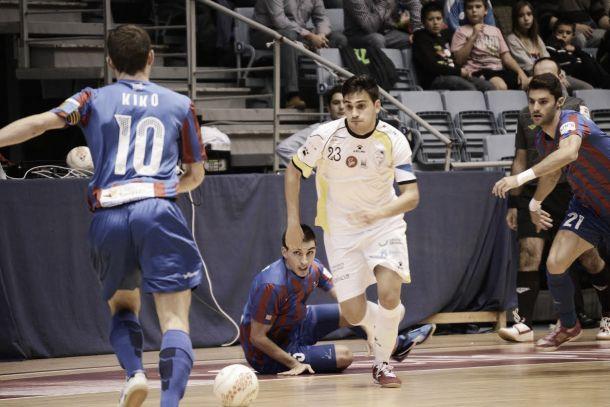 Levante UDDM - Santiago Futsal: batalla en la zona media