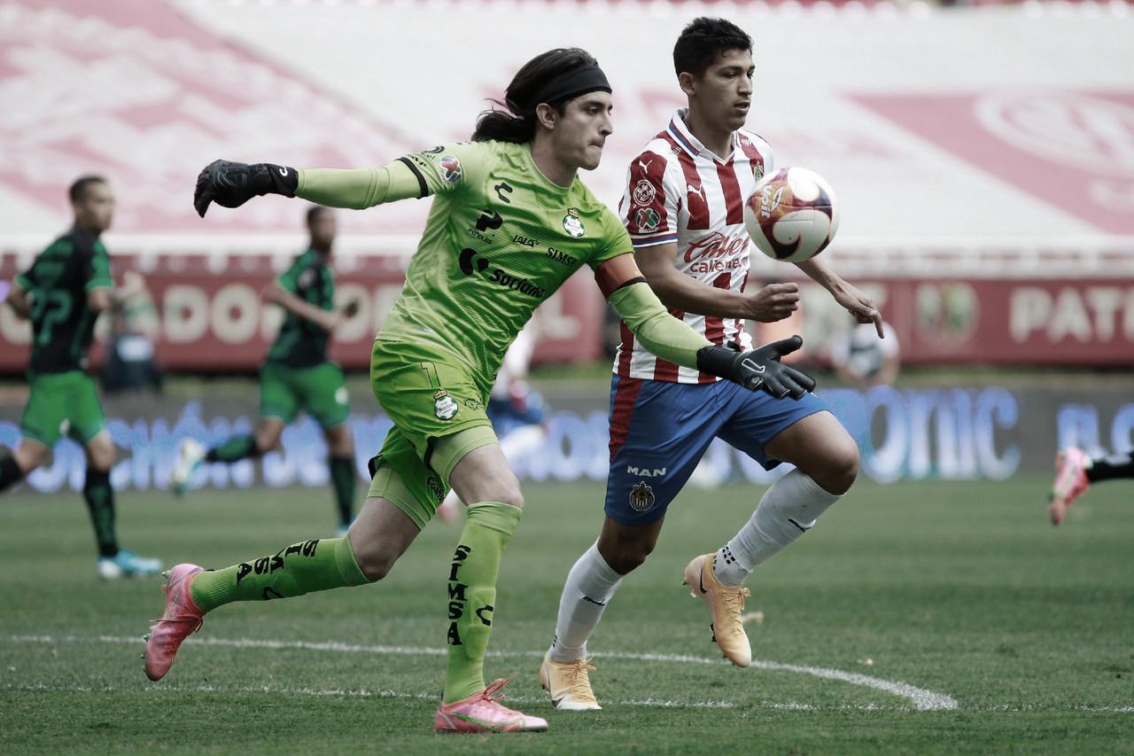 Chivas rescata el empate ante Santos