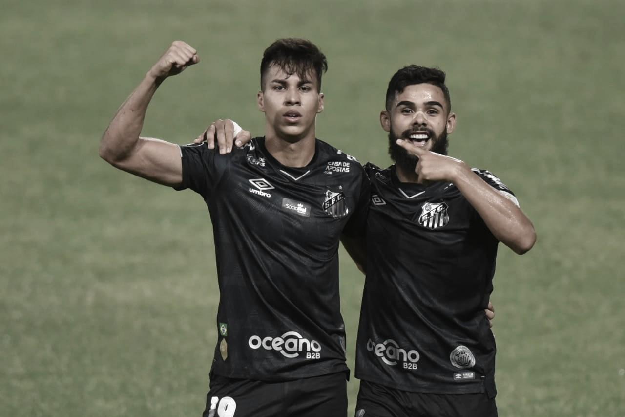 João Paulo beira perfeição, Santos bate Olímpia de virada e avança às oitavas da Libertadores