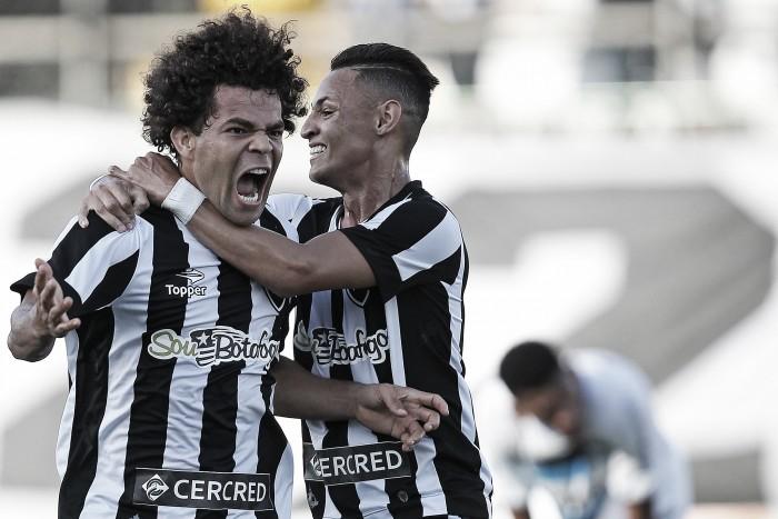 Desfalcado, Botafogo encara o Santos em casa visando manter boa fase
