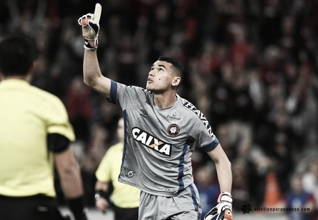 Atlético-PR vence Bahia nos pênaltis e se classifica para as semifinais da Sul-Americana