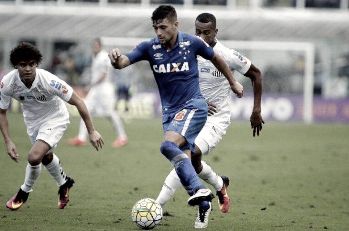 Contestado pela torcida, Santos enfrenta o Cruzeiro no Pacaembu pelo Brasileirão