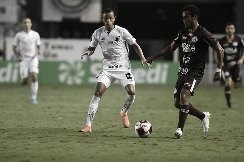 Santos sai na frente, mas cede empate à Ferroviária no Paulistão