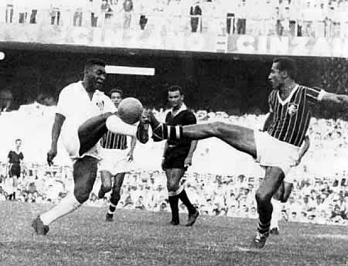 Castilho x Pelé: em 1961, clássico entre Fluminense e Santos faz surgir o termo 'gol de placa'