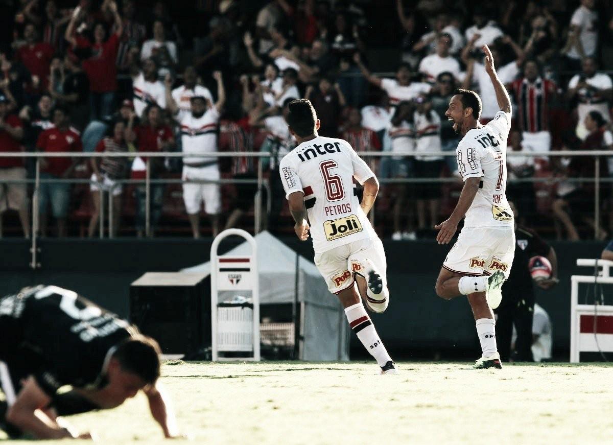 Com gol de Nenê, São Paulo vence Corinthians na primeira partida da semifinal do Paulista