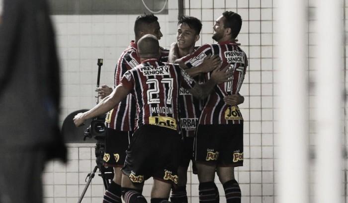 São Paulo quebra tabu e vence Santos no primeiro clássico oficial de Ceni