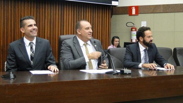 Ídolo do Atlético-MG, Victor recebe título de cidadão honorário de Belo Horizonte