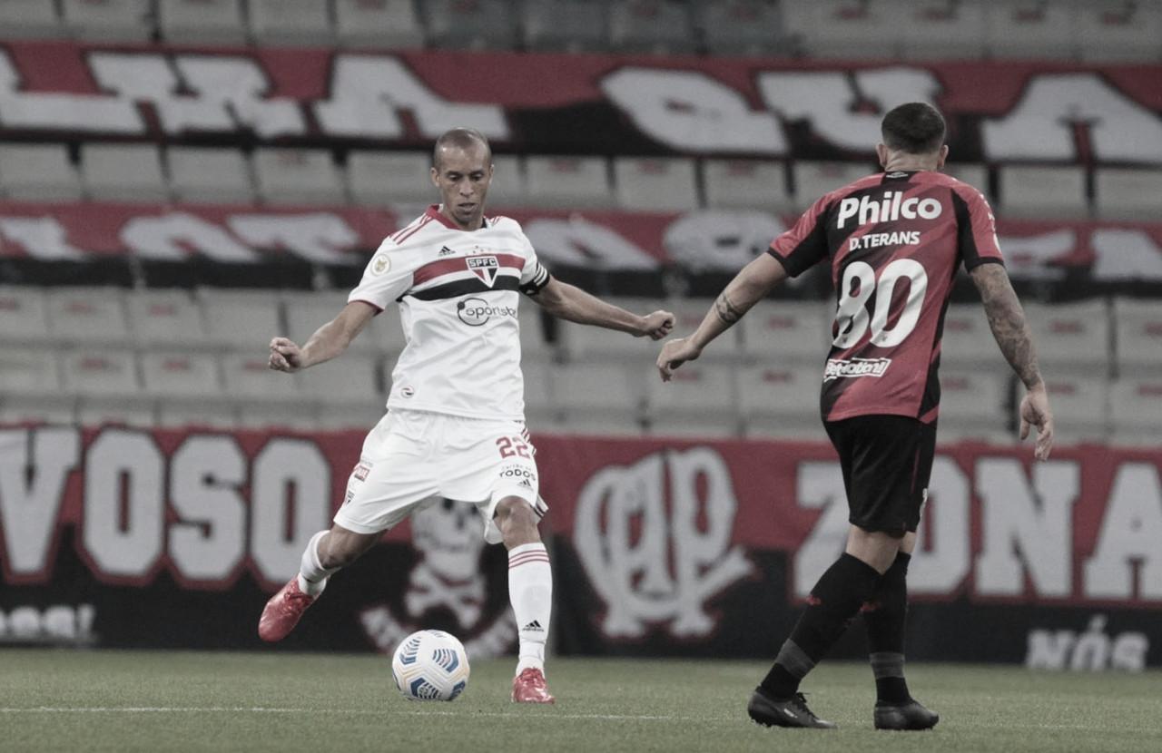 São Paulo enterra de vez tabu com gols de Pablo, vence Athletico e sai do Z-4