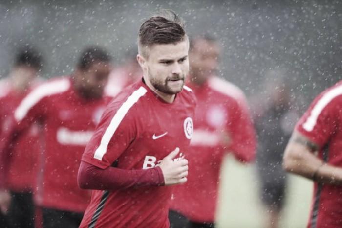 """Eduardo Sasha valoriza classificação do Inter: """"Temos que ultrapassar as dificuldades"""""""