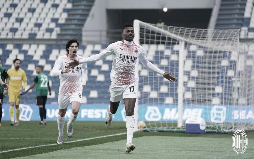 Milan faz gol relâmpago, vence Sassuolo e continua líder do Italiano
