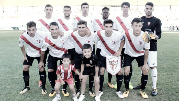 Un doblete de Álex Muñoz da la victoria al Sevilla Atlético en Mérida
