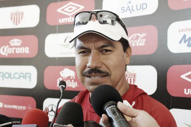 Hugo Saucedo dirigió su primer entrenamiento