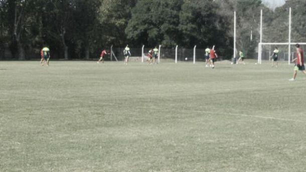 Defensa hizo fútbol en Bosques