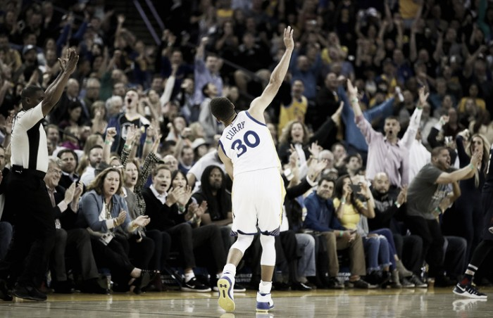 Nba: record triple in una gara per Curry