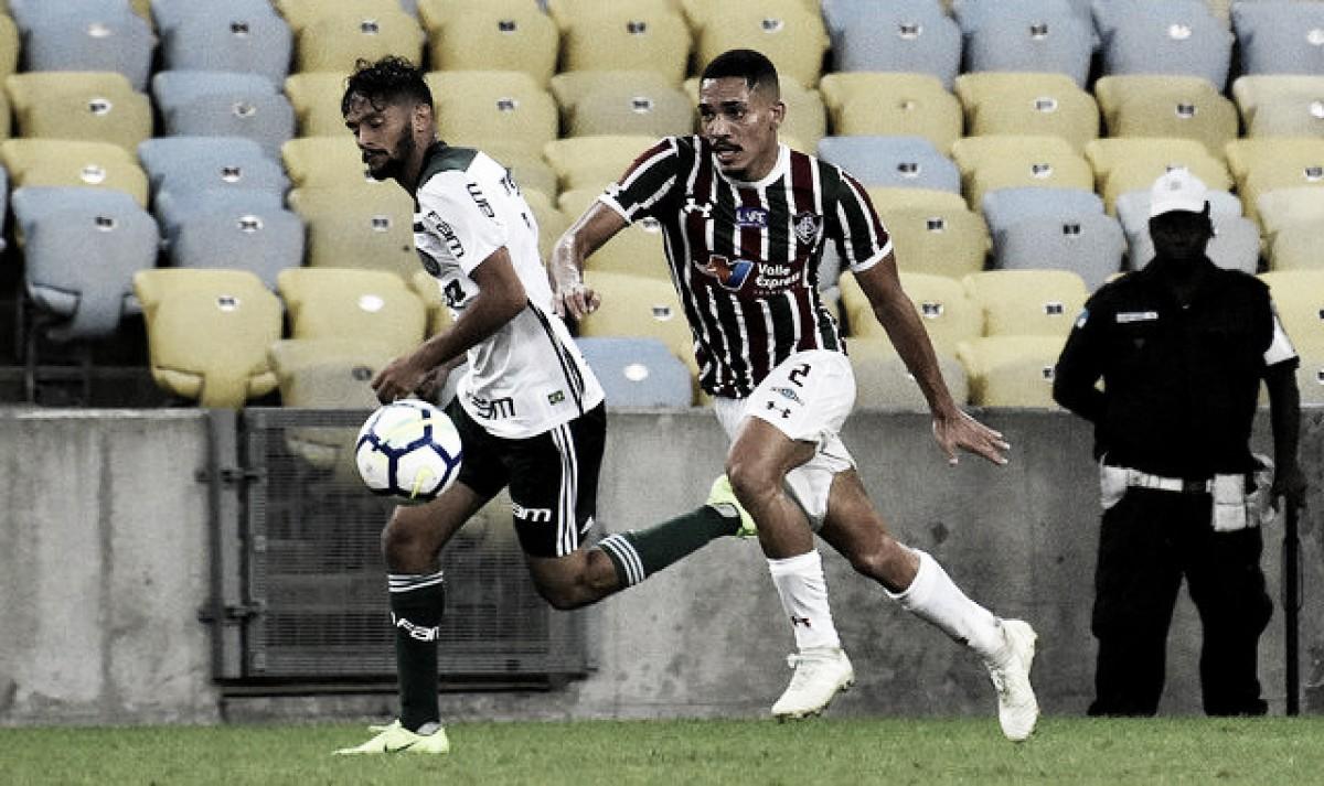 """Torcida do Fluminense vaia Scarpa e Marcos Jr. dispara: """"Quem sai pela porta dos fundos merece"""""""