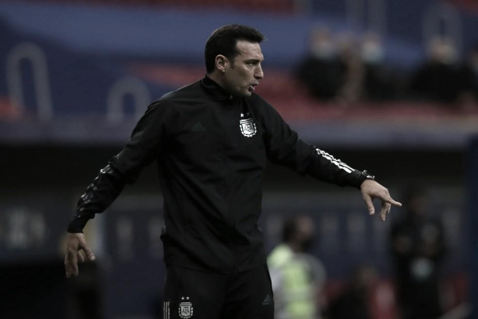 Lionel Scaloni valoriza força do elenco e exalta jogadores experientes na vitória da Argentina