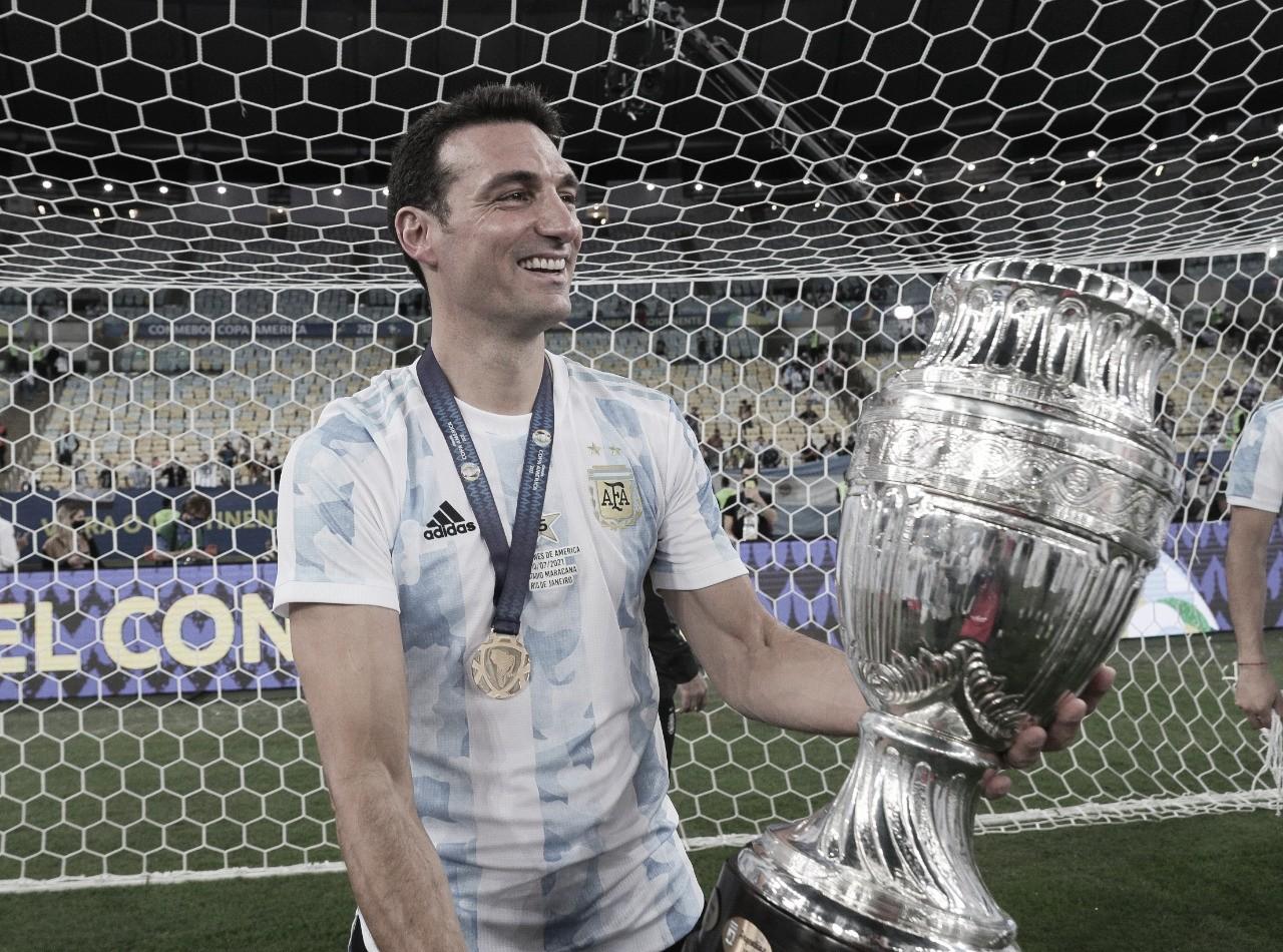 """Scaloni valoriza orgulho e DNA argentino após título e exalta Messi: """"Maior de todos os tempos"""""""