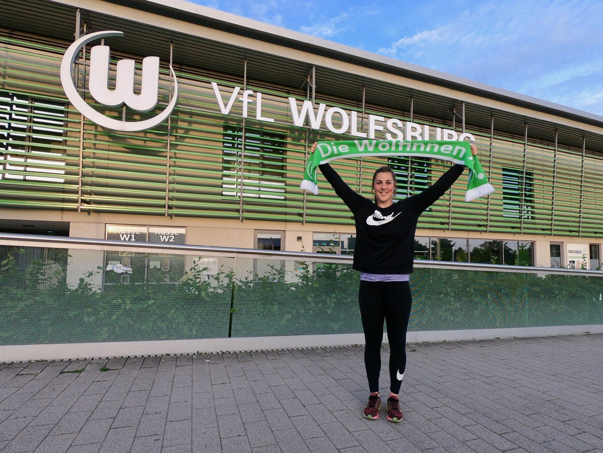 VfL Wolfsburg swoop for Mary Earps