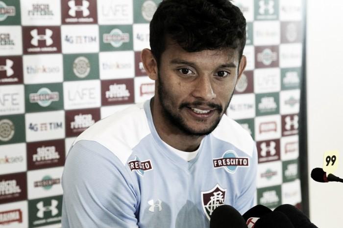 Fluminense quita dívida e aguarda Gustavo Scarpa