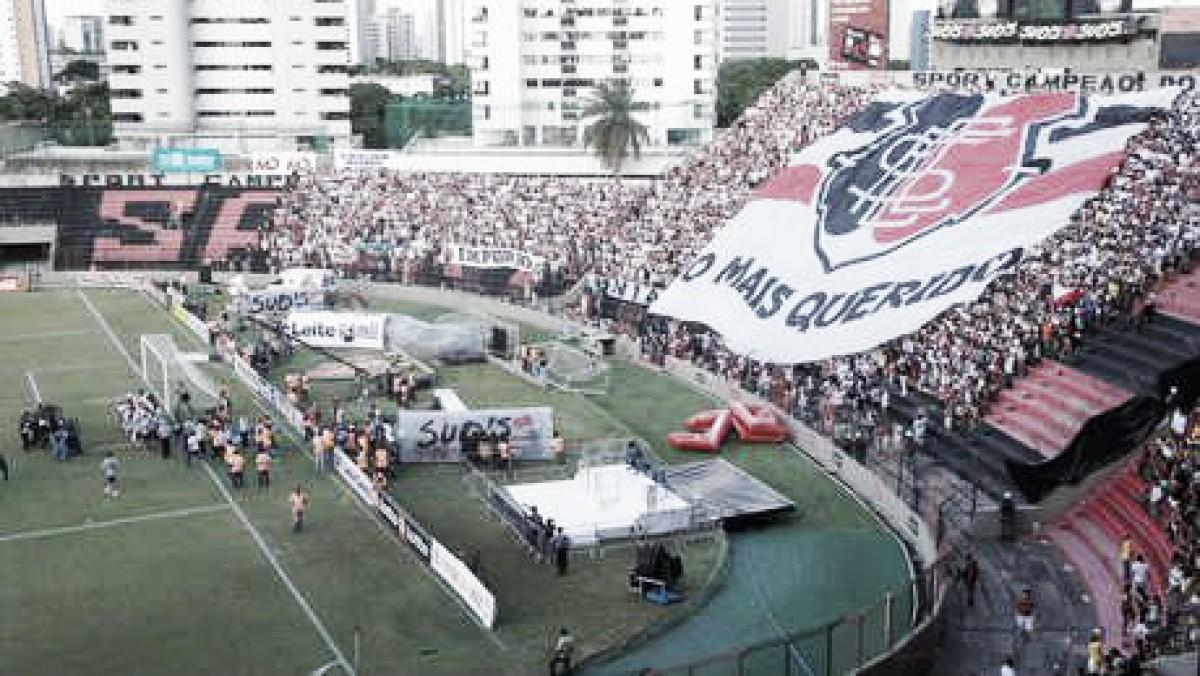 Torcida do Santa Cruz esgota ingressos para jogo decisivo contra Sport na Ilha do Retiro