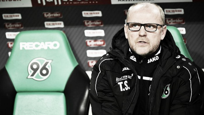 Hannover 96 sack Schaaf with relegation looming