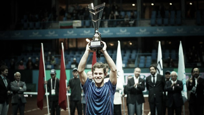 Diego Schwartzman bate Dimitrov de virada e conquista primeiro título da carreira em Istambul