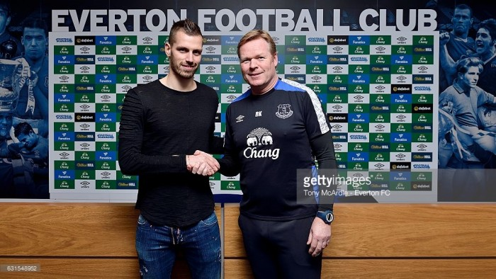 Everton sign Morgan Schneiderlin from Manchester United in £24 million deal