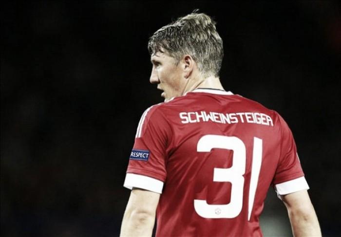 Encostados por Mourinho, Schweinsteiger e Januzaj entram na mira de times italianos