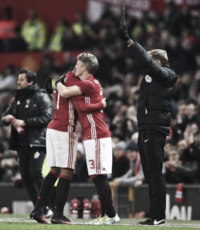 Bayern condena tratamento de Man United a Schweinsteiger e nega venda de Müller ao clube