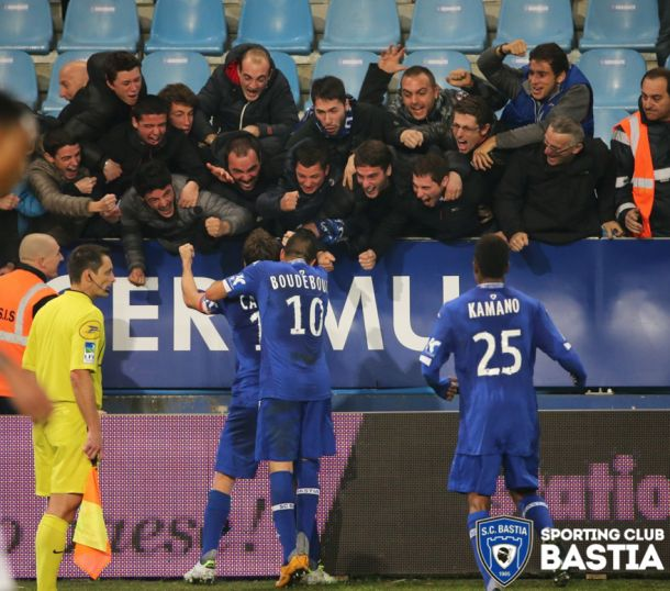 El Bastia castiga a un Rennes en inferioridad