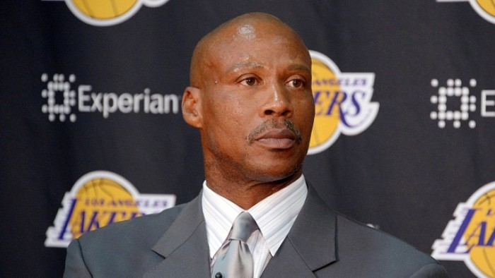 Los Angeles Lakers, benservito a Byron Scott
