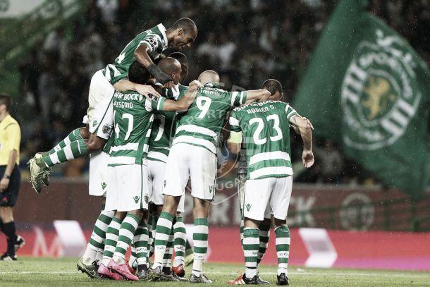 Sporting esmaga Vitória de Guimarães com letal Slimani a fazer o tri