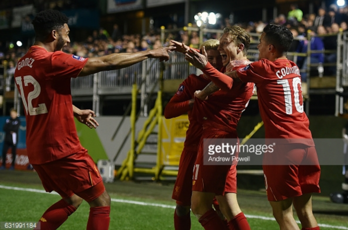 "Jürgen Klopp insists ""really important"" Lucas Leiva won't leave Liverpool in January transfer window"