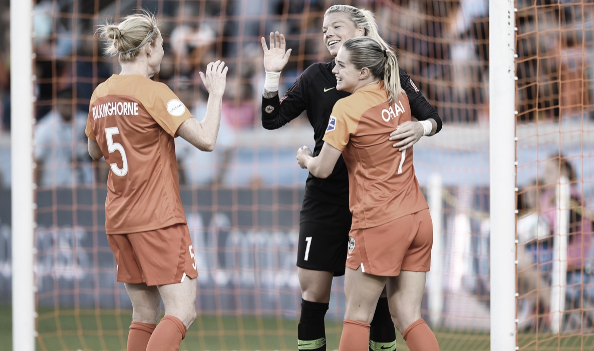 Jane Campbell saves a draw for Houston Dash against Reign FC