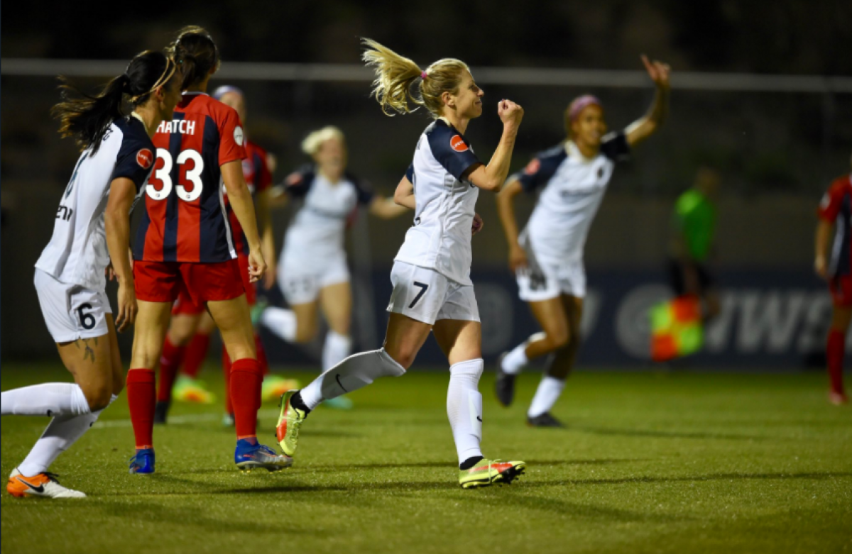 The North Carolina Courage top the Washington Spirit in a late-night barnburner