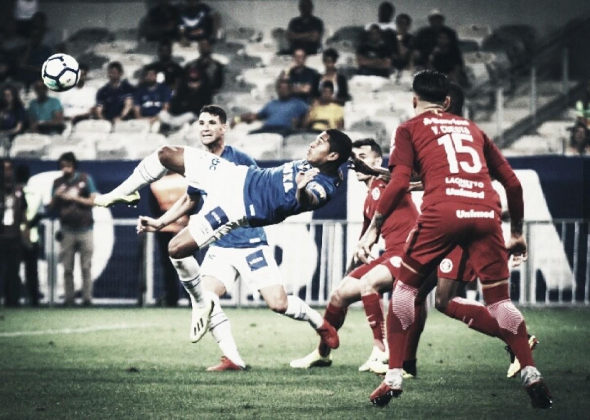 Cruzeiro joga melhor, mas apenas empata sem gols com Internacional no Mineirão