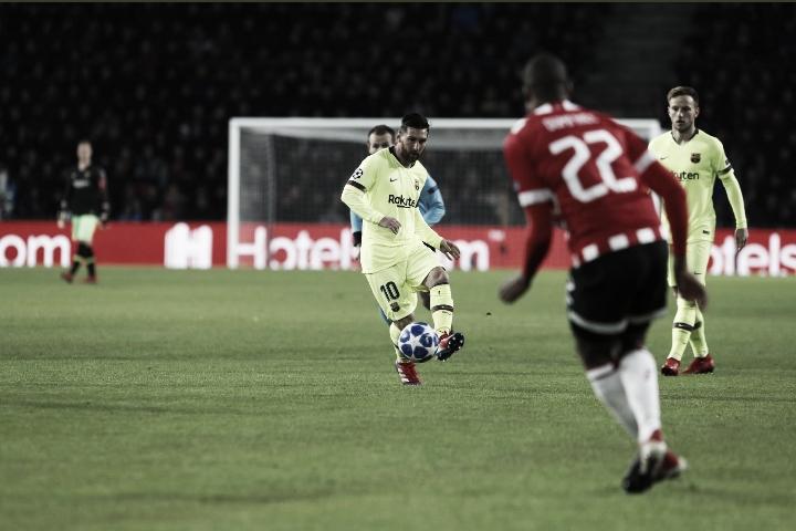 Barcelona vence PSV fora de casa e garante o primeiro lugar do Grupo B da Champions League