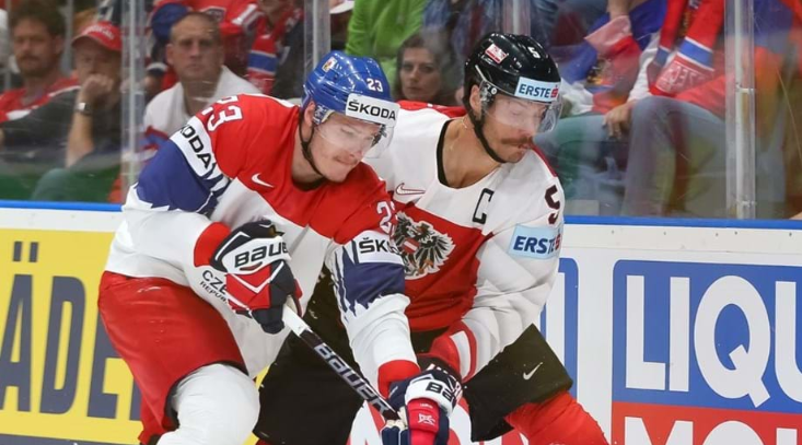 Czech Republic swept aside Austria (PHOTO: ANDRE RINGUETTE / HHOF-IIHF IMAGES)