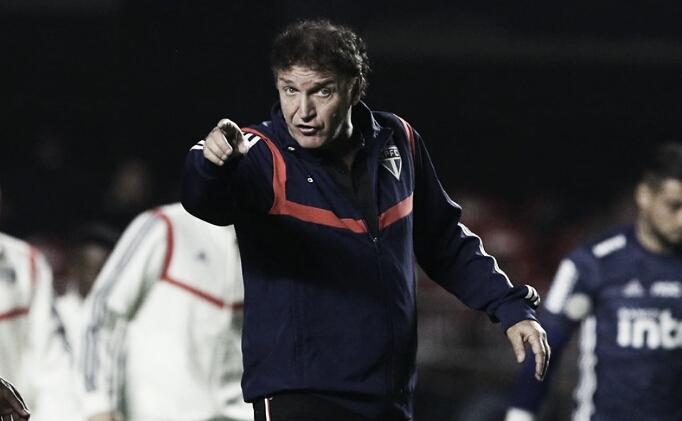 """Cuca elogia grupo e comemora goleada sobre Chapecoense: """"Dá confiança e moral"""""""