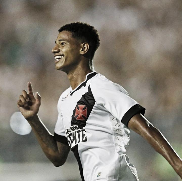 Vasco goleia o Volta Redonda e mantém aproveitamento de 100% na Taça Guanabara