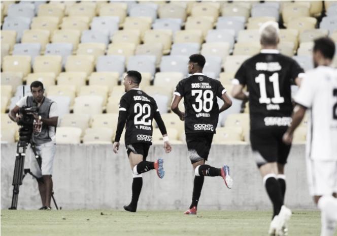 Análise  laterais são ponto alto em mais uma vitória do Vasco na Taça  Guanabara 3afc9c6fc97a2